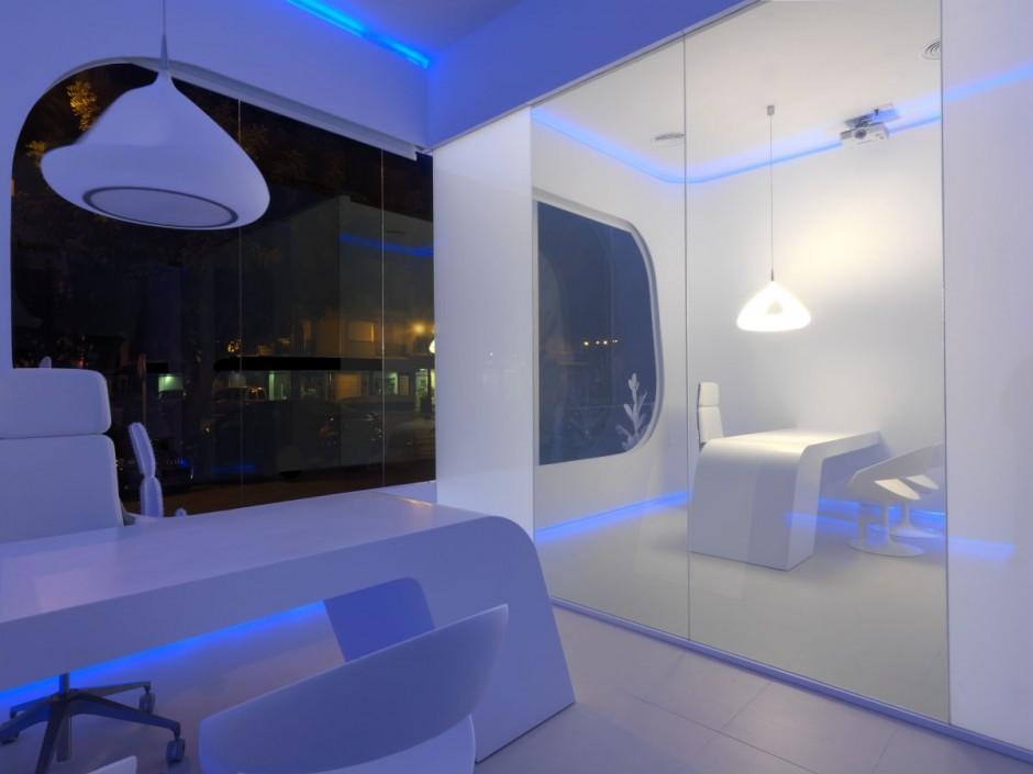 Oficina futurista con luces led for Luces interiores