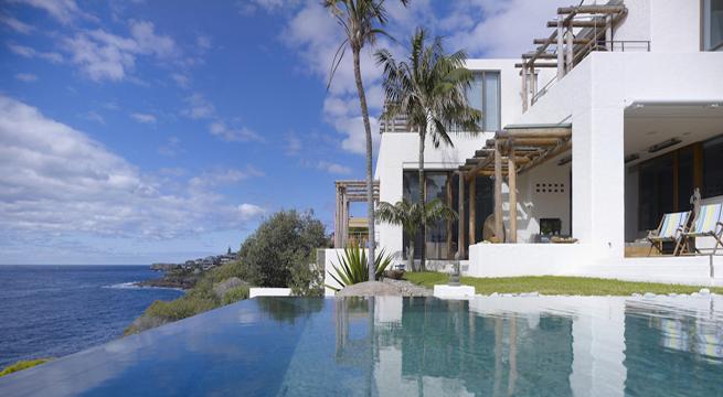 Villa frente al mar en australia for Casas modernas junto al mar