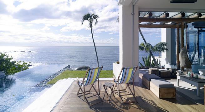 el nombre de la casa responde lgicamente a su y sus vistas panormicas sobre el mar que se funden con los espaciosos