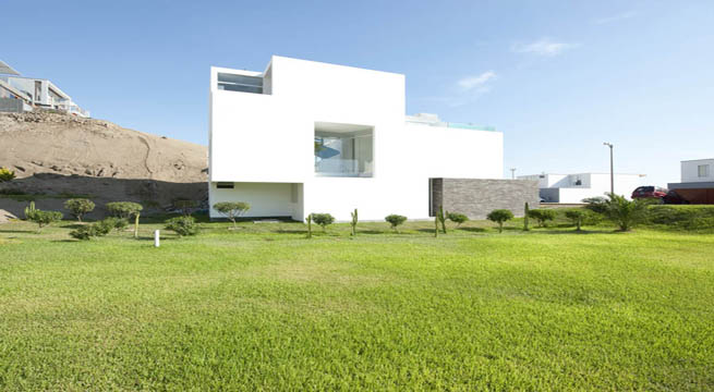 Casa moderna frente a la playa for Frente casa moderna