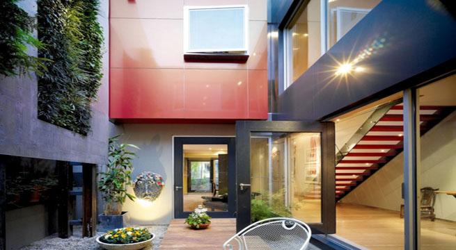 Casa Con Patios Interiores En Australia (2/8)
