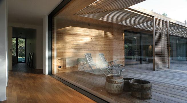 Villa danesa inspirada en viviendas tradicionales - Casas de madera laminada ...