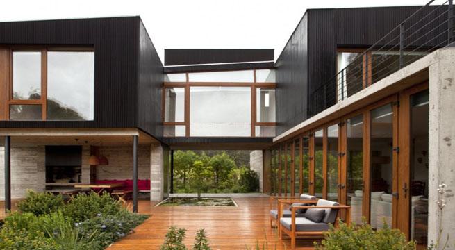 Casa de vacaciones con patio interior en chile for Casas con patio interior