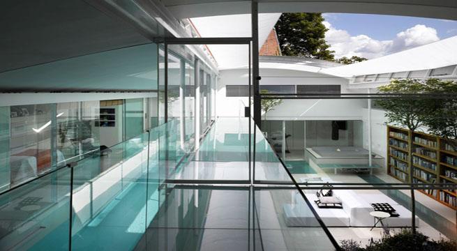 Espectacular residencia con piscina interior for Piscina interior