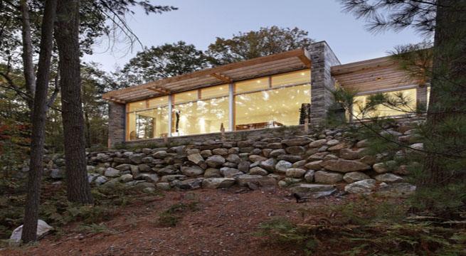 Casa luminosa de piedra y madera en canad - Fotos de casas de madera y piedra ...