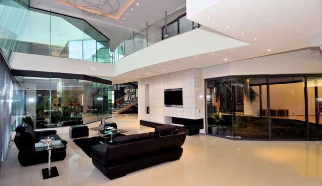 Mansi n de lujo en sud frica for Casa moderna y lujosa