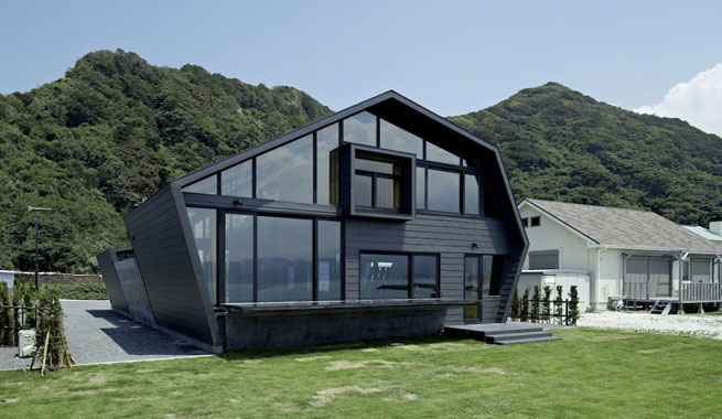 Original casa geom trica en jap n for Architecture japonaise contemporaine