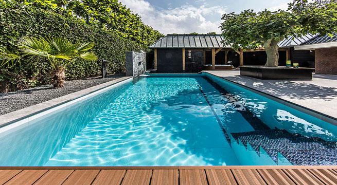 Espectacular patio de agua en una casa holandesa - Patios con piscina ...