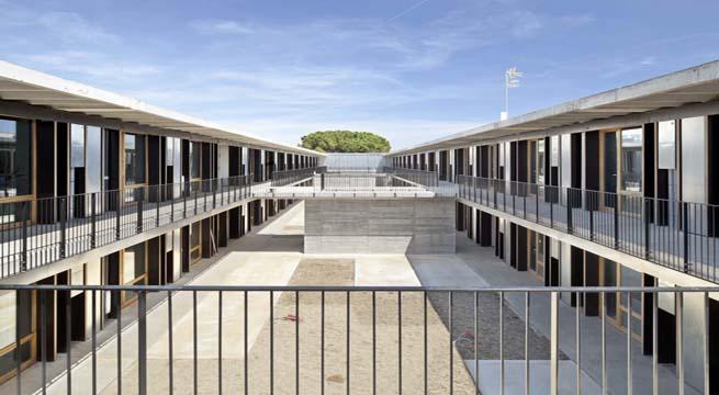 Residencia de estudiantes prefabricada en barcelona for Residencia para estudiantes