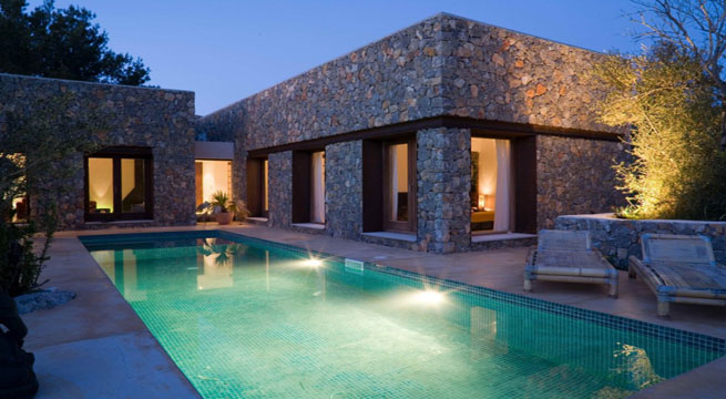 Decoarq arquitectura decorativa for Casas modernas revestidas en piedra