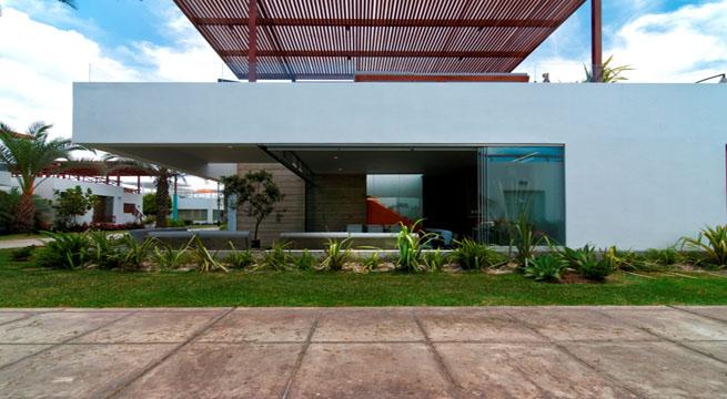Casa en Peru00fa con terraza en la azotea