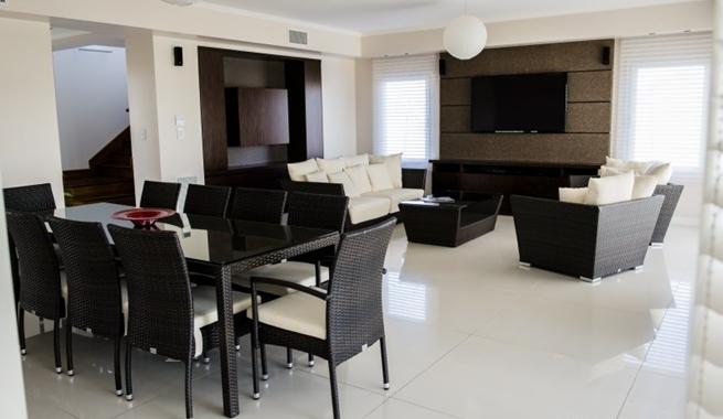 Casa clasica de interior moderno 05 for Casas estilo clasico moderno