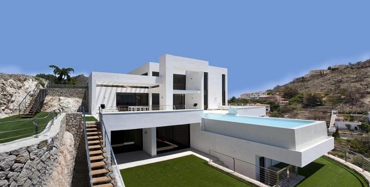 Casa con piscina con vistas al mar en alicante for Casas jardin del mar