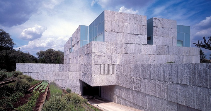 Casa con piscina cubierta Madrid