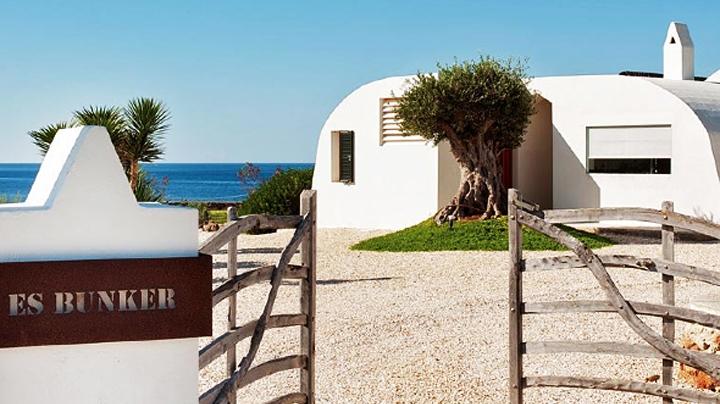 Original finca en Menorca sobre un acantilado