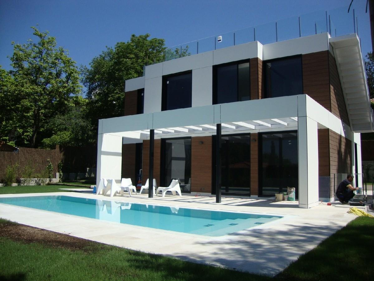 Decoarq arquitectura decorativa for Disenos de casas baratas