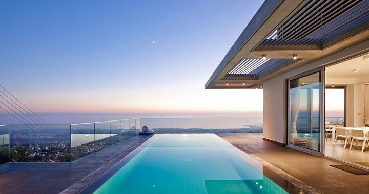 Podromos and Desi Residence Chipre