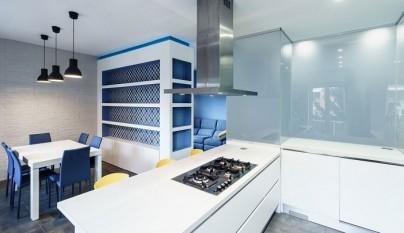 Prismatic Blue Apartment Roma