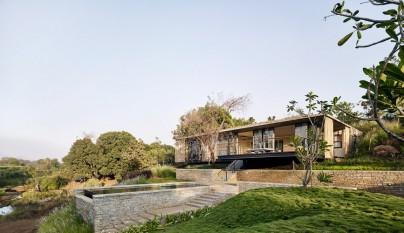 The Riparian House14