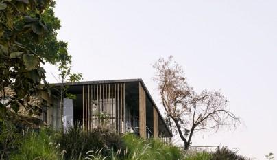 The Riparian House2