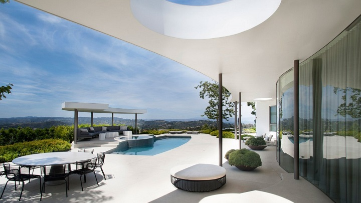 Trousdale Estates Contemporary Home Beverly Hills1