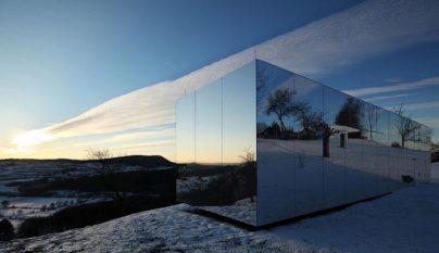 Casa Invisible prefabricada