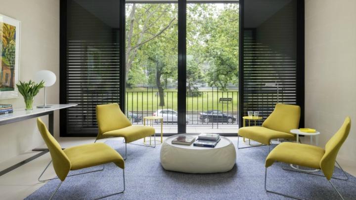sillas-amarillas-salon