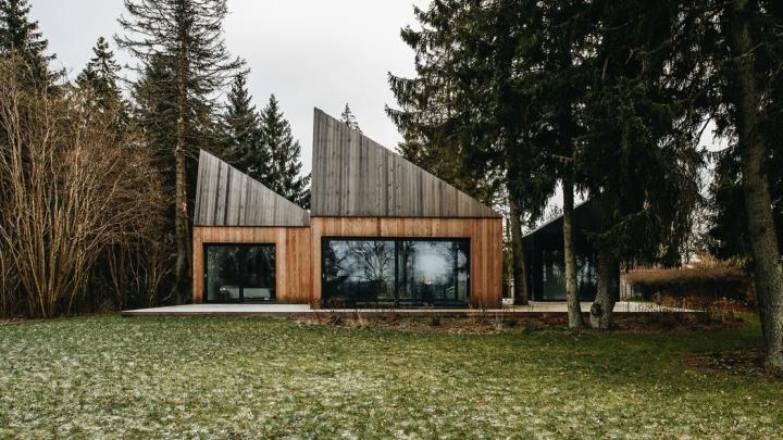 Casa-de-campo-Muraste-exterior