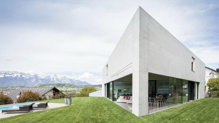 Casa-triangular-Nendeln-exterior