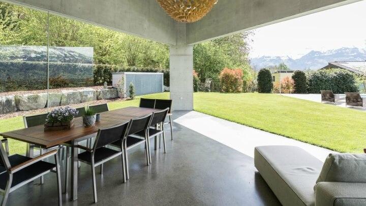 Casa-triangular-Nendeln-interior